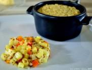 Gratin moelleux aux poireaux et légumes chauds en salade
